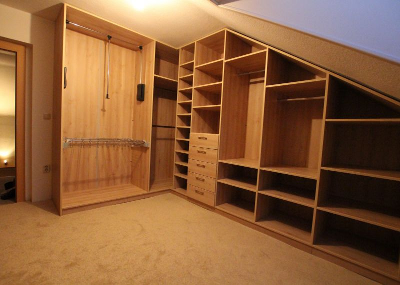 m bel nach ma begehbarer kleiderschrank berlin. Black Bedroom Furniture Sets. Home Design Ideas